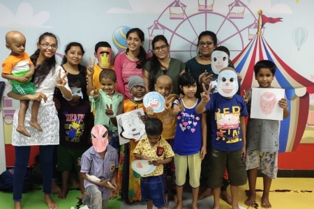 students-volunteering-for-niru-foundation-to-conduct-workshops-for-child-cancer-patients-at-tata-memorial-hospital-and-wadia-hospital