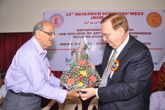 3._Welcoming_the_Chief_Guest_Mr._Peter_Hanik__President__Reliance_Technology_group_